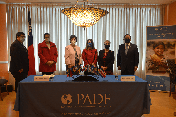 From left to right: Oscar Baez, Counselor, Embassy of Paraguay; Karolina Vera, Second Secretary, Mission of Paraguay to the OAS; Christine M. Y. Hsueh, TECRO Deputy Chief of Mission; Katie Taylor, PADF Executive Director; H.E. Rita Claverie de Sciolli, Permanent Representative of Guatemala to the OAS; and H.E. Alfonso Quiñonez Lemes, Ambassador of Guatemala to the United States.