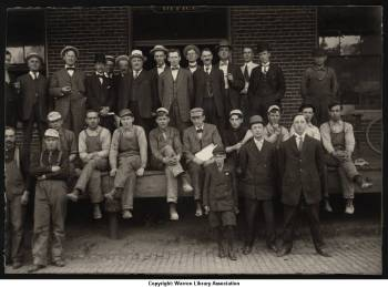 Smith_and_Horton_Company_Employees_circa_1920