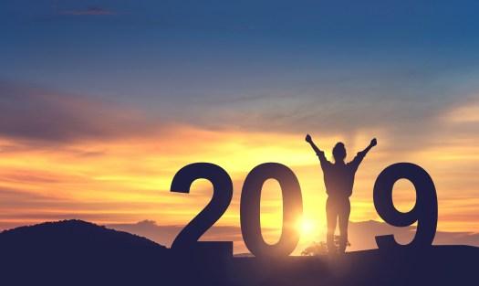 2019 - Resolutions - Hands Up - Sunset
