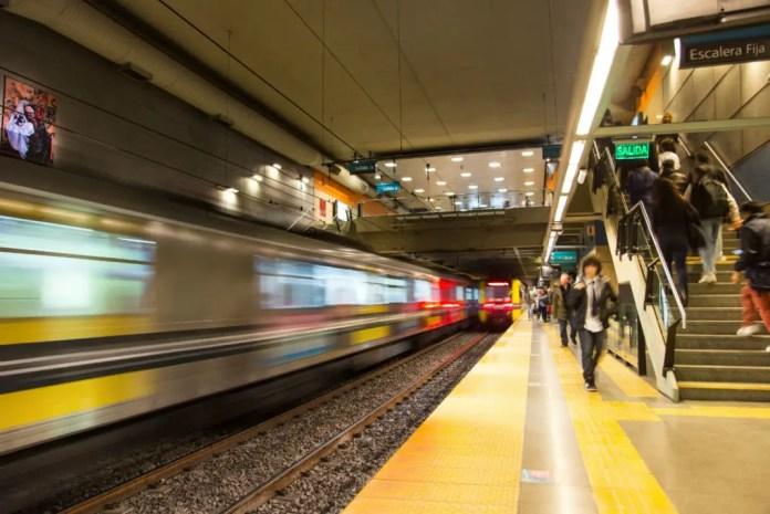 vivir en argentina como estudiante metro subte