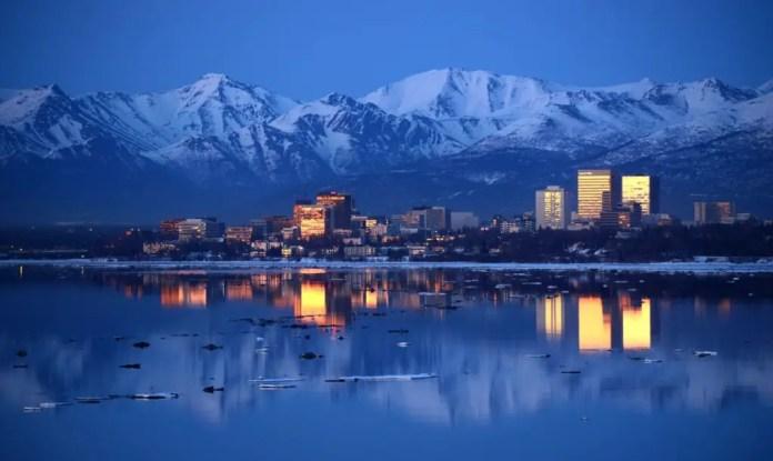 que lugares se pueden visitar en alaska