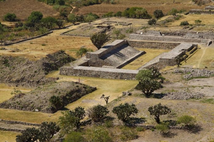 cultura zapoteca centros ceremoniales