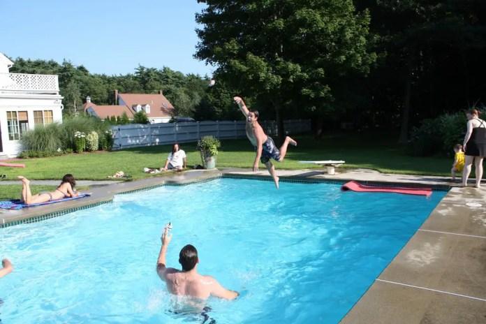 ideas para juegos en piscina