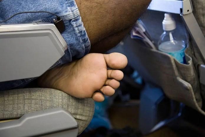 comportamientos incomodos dentro de un avion