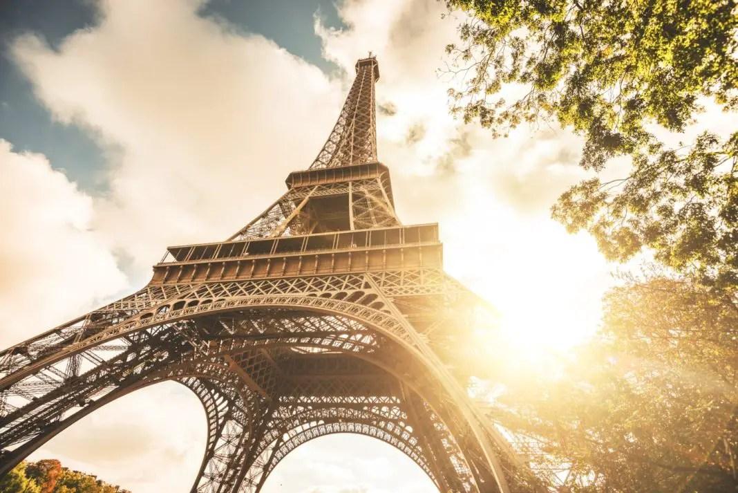 ¿Sabías Que Es Ilegal Tomarle Fotos A La Torre Eiffel De