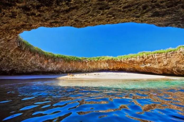 como llegar a playa escondida mexico