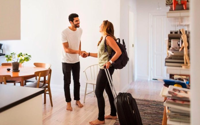 como poner un departamento en airbnb