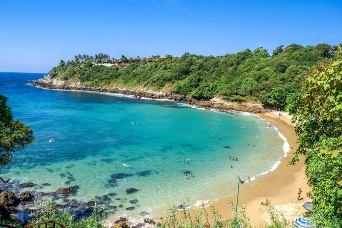 Visitar playas turísticas en México: Playa Carrizalillo