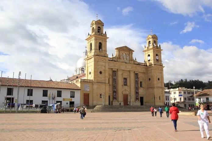 Qué vsitar en Boyacá: Basílica de Chiquinquirá