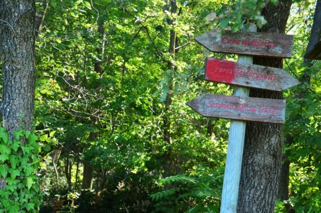 Cartelli sentiero Monte Cinto - Buso dei Briganti ©padovaedintorni.it