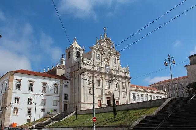CASTELO BRANCO – UM EMPRESÁRIO DA RESTAURAÇÃO E UM VOLUNTÁRIO SOCIAL