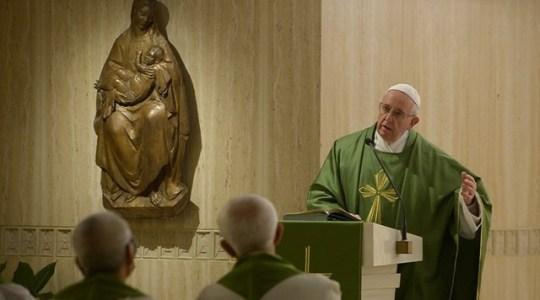 Papież na Mszy: jeśli biskup się nie modli, cierpi Lud Boży