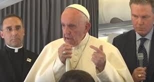 Konferencja prasowa papieża na pokładzie samolotu ( Vatican Service News - 03.12.2017)