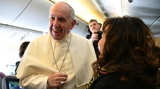 Papież wyjawia kulisy udzielenia ślubu na pokładzie samolotu(Vatican Service News - 23.01.2018)