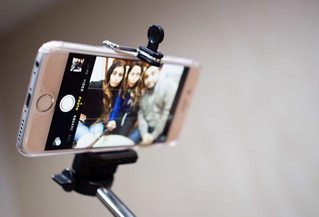 selfie millennials