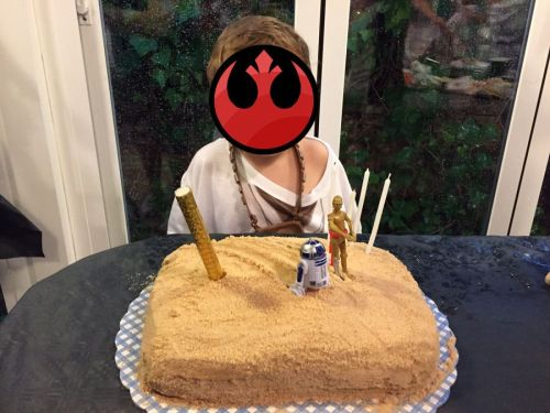 Tarta de cumpleaños de Star Wars (Tatooine)