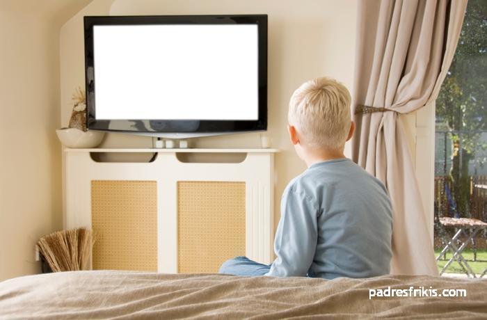 soporte tv habitacion niños