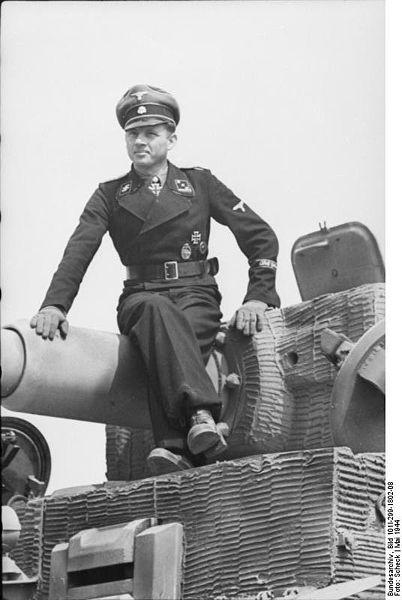 Holding the line Michael_Wittmann_auf_Panzer_VI_(Tiger_I)