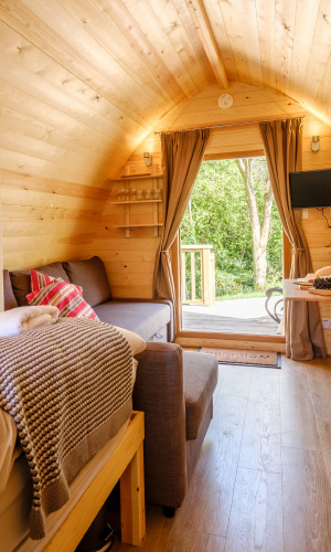 Padstow-creek-holiday-accommodation-cornwall-luxury-glamping-pods-padstow-tall-2