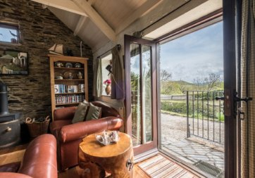 Padstow-creek-holiday-accommodation-cornwall-luxury-glamping-pods-padstow-19