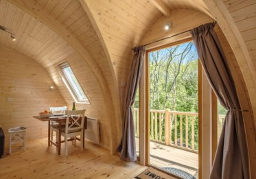 Padstow-creek-holiday-accommodation-cornwall-luxury-glamping-extra-large-Super-Pod-2