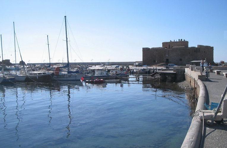 Εμπλέκουν και το Λιμανάκι στην κόντρα Φαίδωνος – Τμ. Αρχαιοτήτων