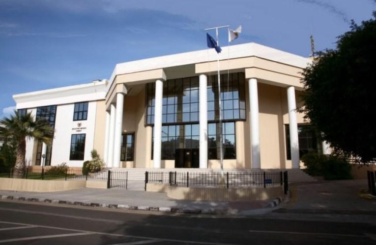 Αθώοι οι κατηγορούμενοι στην υπόθεση πινακίδων