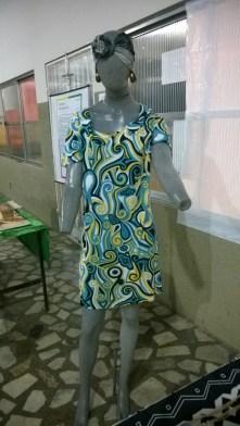 O vestido estampado representa a influência africana em nosso vestuário.