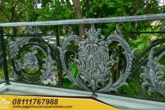 Railing-Tangga-Besi-Tempa-Klasik-Mewah-Modern-17-1