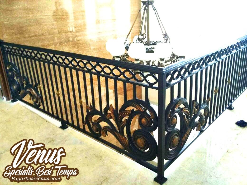Harga Railing Balkon Klasik & Minimalis Besi Tempa