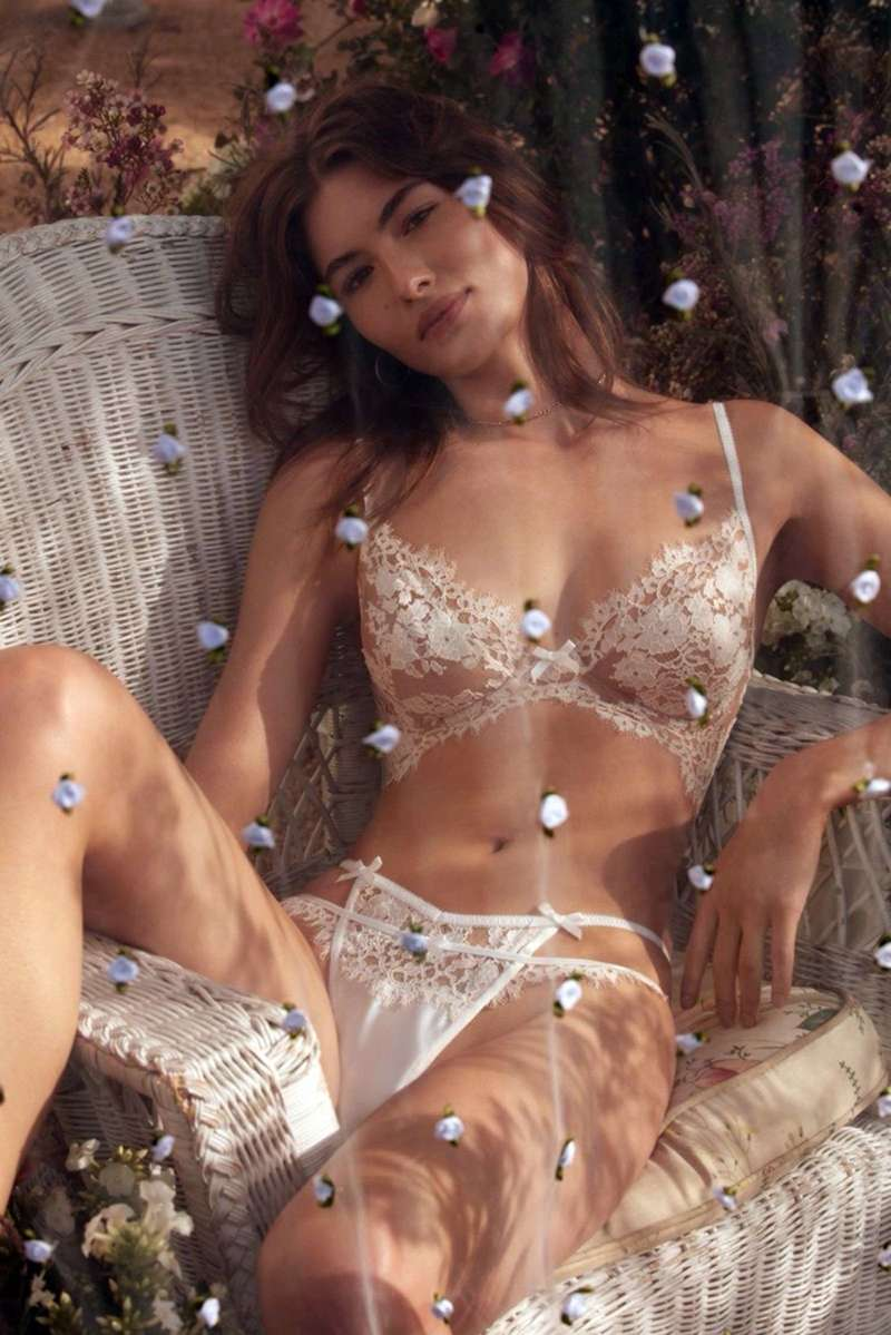 Grace Elizabeth Poses For The New Spring-Summer 2020 Campaign For Love & Lemons And Victoria's Secret