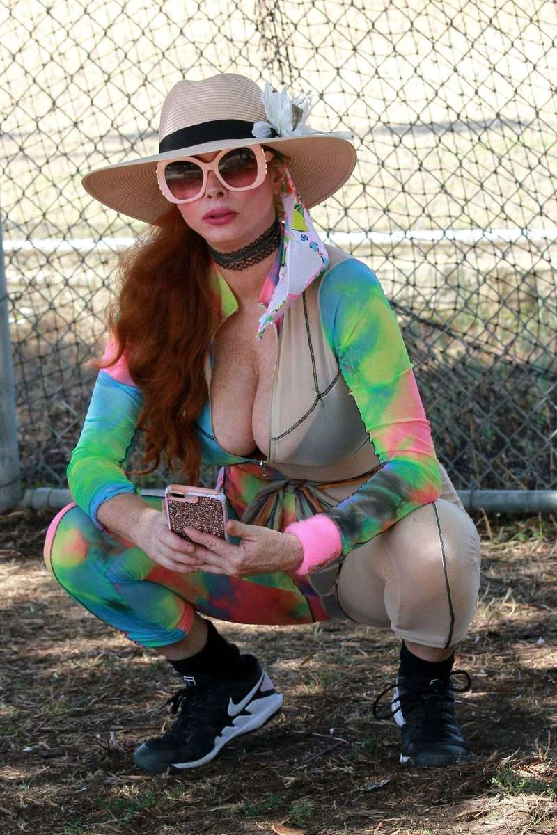 Phoebe Price Hot Pics in tie-dye outfit