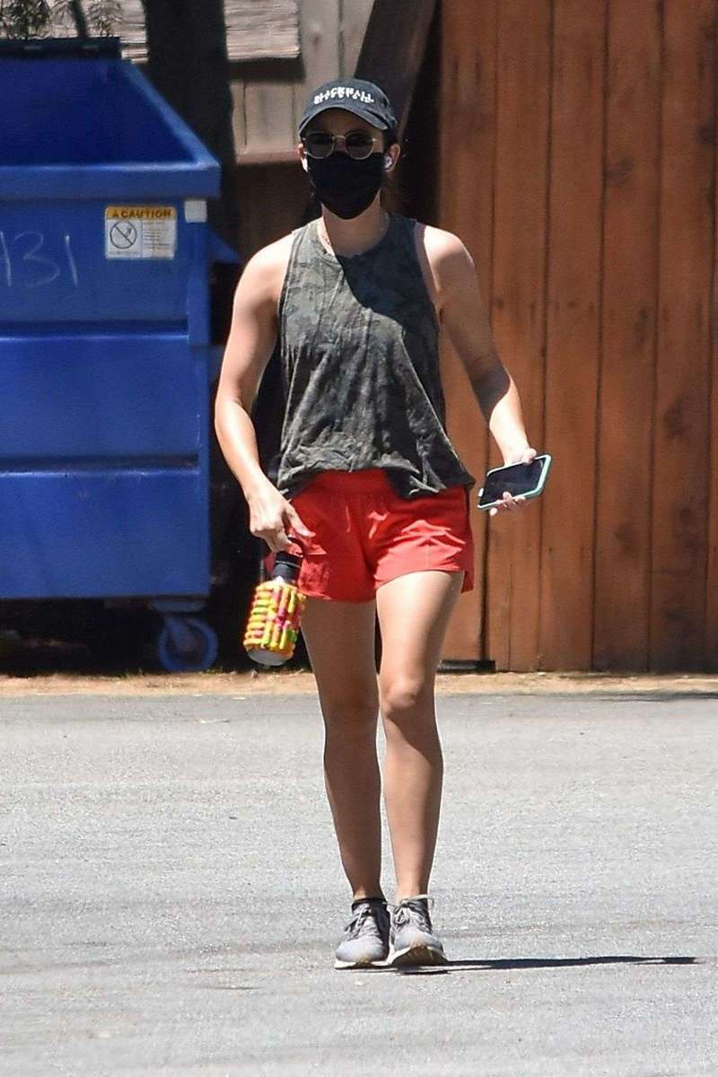 Lucy Hale tackles another hot Saturday hiking session in Studio City