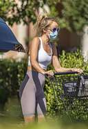 hayley roberts latest photos in skin tight workout pants as she picked up groceries in calabasas 13. o 128w 186h