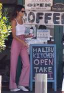 Kendall Jenner Latest Stunning Photos and Pictures in Malibu