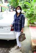 Neetu Singh Latest Photos and Images spotted at bandra