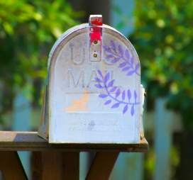 Join InCoWriMo 2017 and send more snail mail in February. Handwritten happy mail.