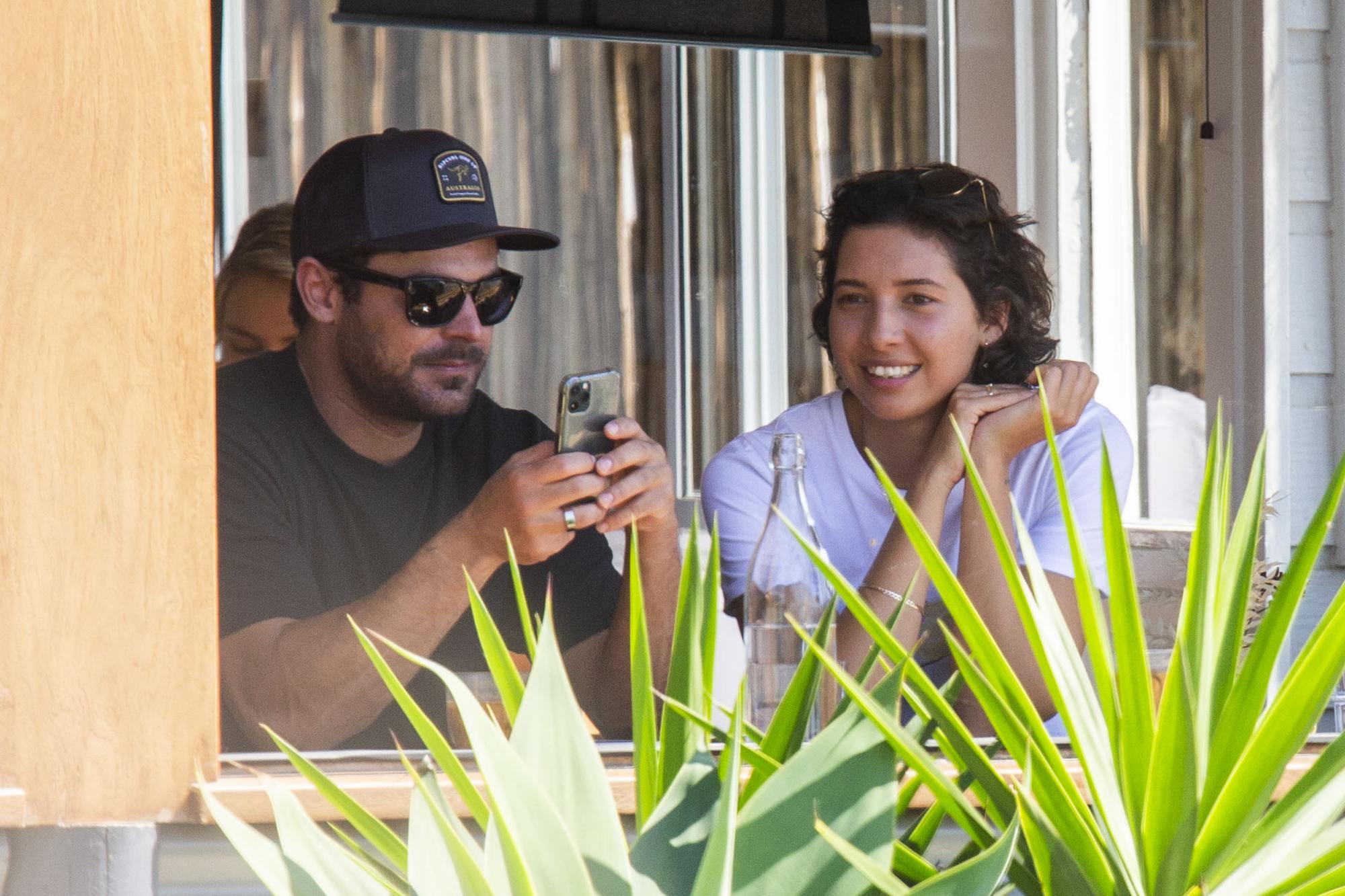 Zac Efron Spotted With Rumored Aussie Girlfriend Vanessa Valladares