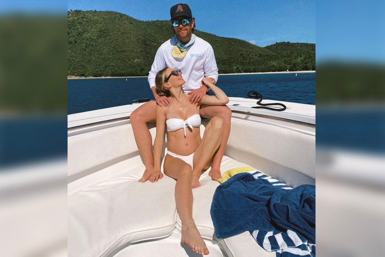 Chris Lane gushes over pregnant wife Lauren as she models a bikini 1