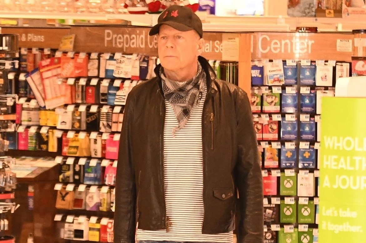 Bruce Willis asked to leave store for 'refusing' to wear a mask 1