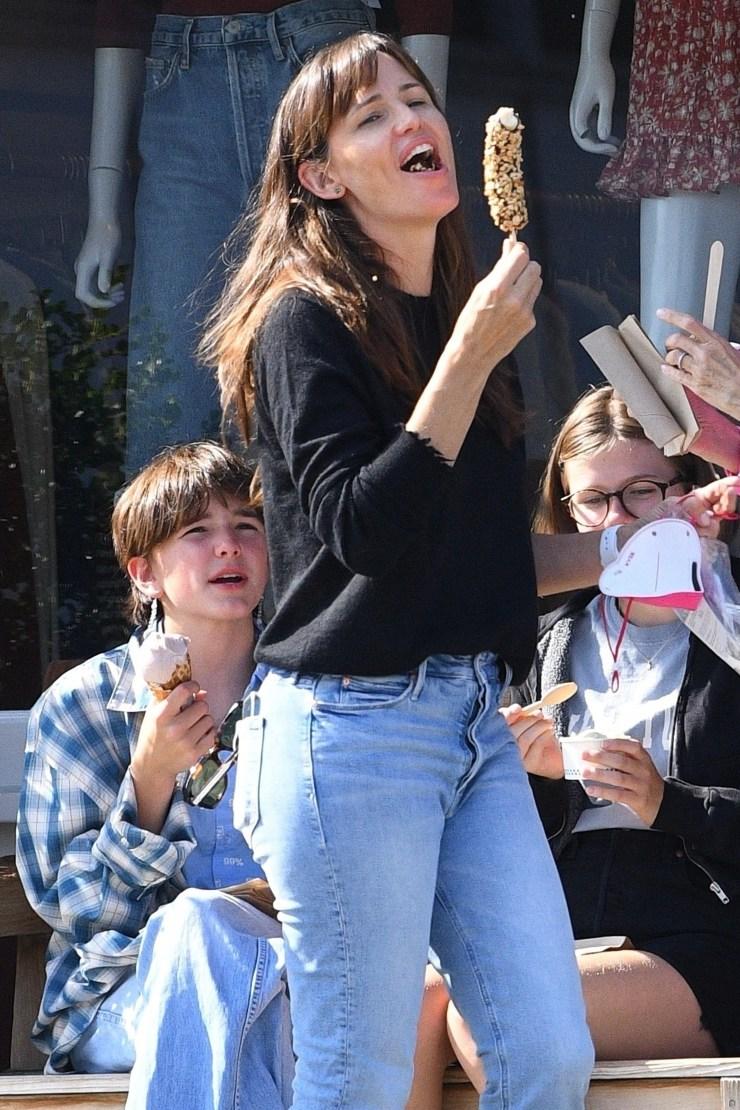 *EXCLUSIVE* Jennifer Garner treats her kids to ice cream at Sweet Rose Creamery