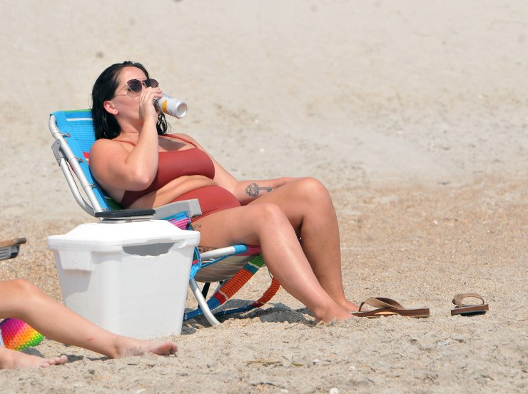 EXCLUSIVE: Jenelle Evans and David Eason Hit the Beach in North Carolina.