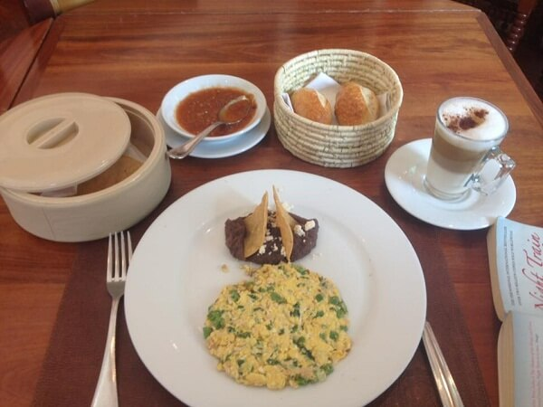earthquakes in mexico city - brunch at el cardenal