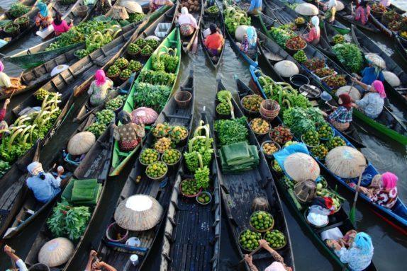 Pasar Apung Indonesia
