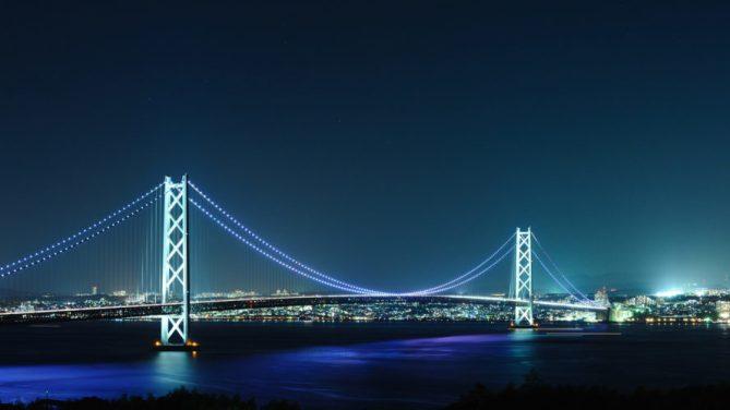Jembatan Akashi-Kaikyō di malam hari