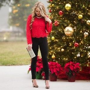 Menarik dengan Outfit Simple Saat Natal