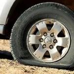 5  Cara Mendeteksi Ciri Ban Kempes Saat Mobil Dijalankan