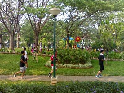 Nyaman Lari Pagi di Taman Jogging Kelapa Gading