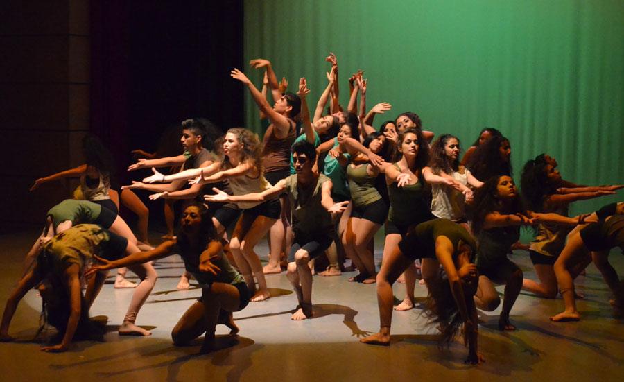 Interpretan c rculos y formas en la danza contempor nea for Videos de chismes del espectaculo