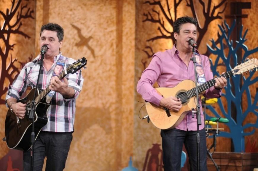 César e Paulinho fazem o show de abertura nesta quinta